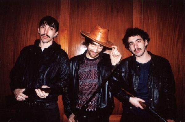 Los Reyes del Falsete y Litto Nebbia se preguntan «¿Qué Estás Haciendo?» en un EP grabado en cuarentena