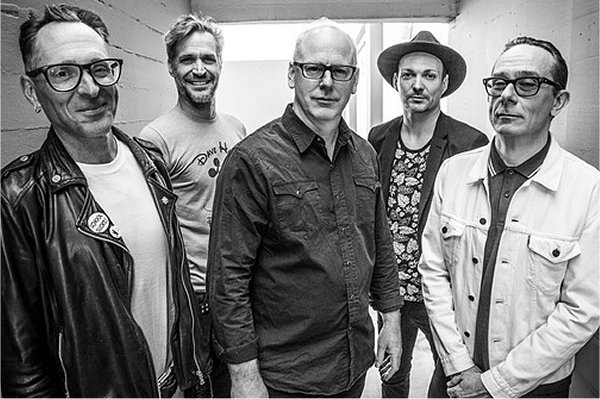 "Bad Religion lanza el breve pero potente ""Do the Paranoid Style"""