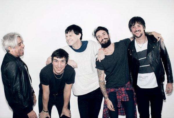 """Jóvenes Pordioseros presenta """"Guinness"""", adelanto de su álbum """"Late"""""""