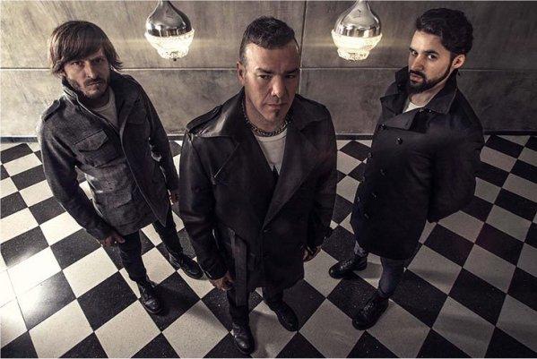 Vanthra publica en vinilo su álbum debut y lo presenta en La Trastienda