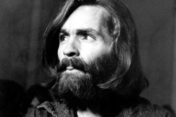 Murió Charles Manson, el asesino que malinterpretó las letras de los Beatles