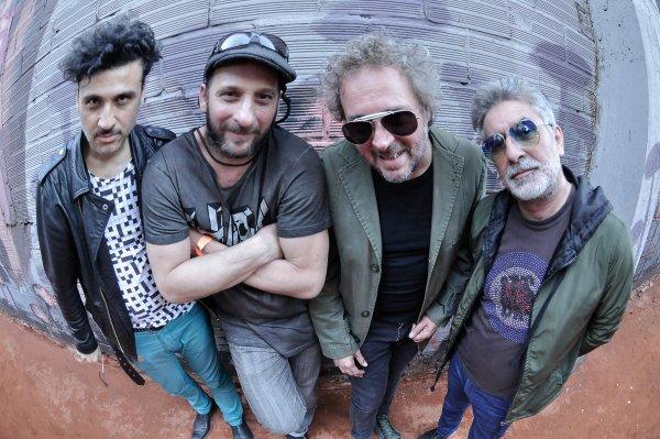 """Los Tipitos presentan el videoclip en vivo de su hit """"Silencio"""", con Fito Páez"""