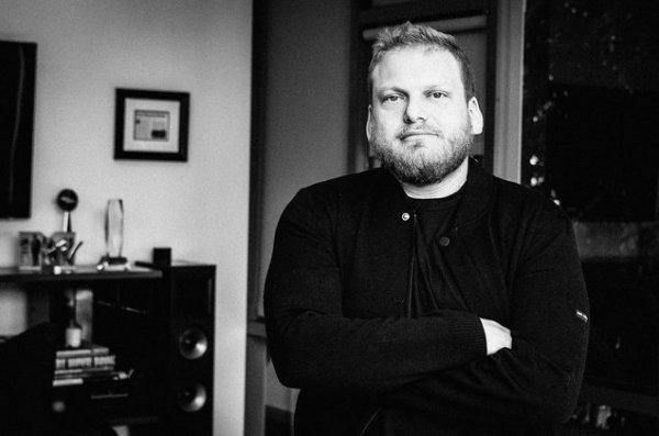Falleció Jordan Feldstein, mánager de Maroon 5