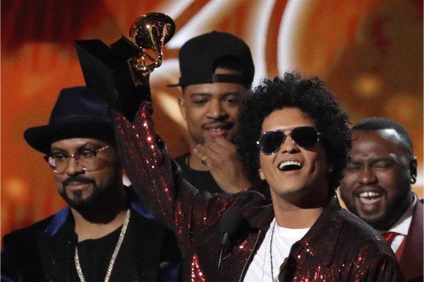Bruno Mars se convirtió en el gran ganador en la noche de los Grammy