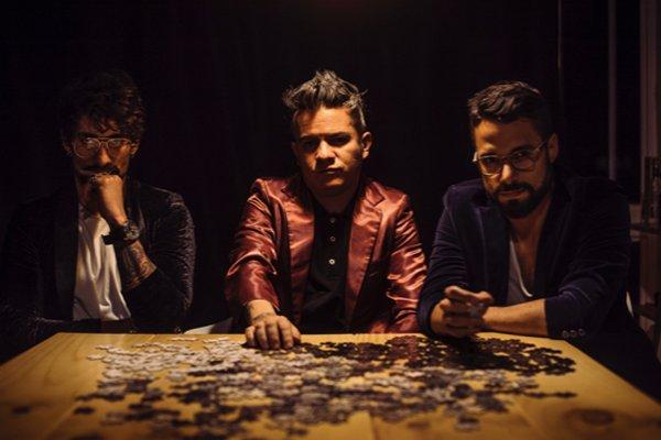 """La banda colombiana Diamante Eléctrico presenta el videoclip de """"Días Raros"""", su colaboración con Billy Gibbons"""