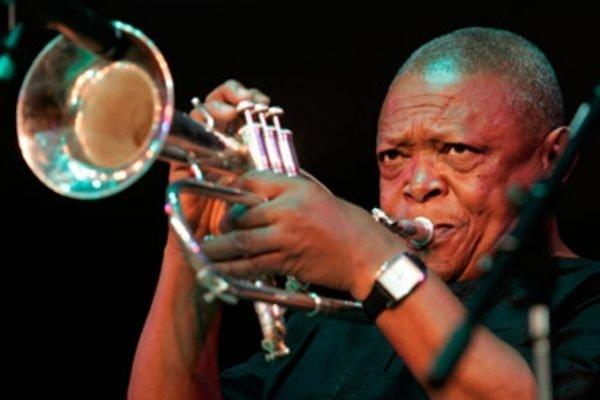Falleció el trompetista de jazz y activista Hugh Masekela