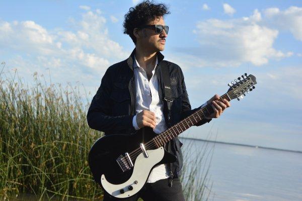 Pablo Tevez, de Los Tipitos, presenta su álbum debut como solista