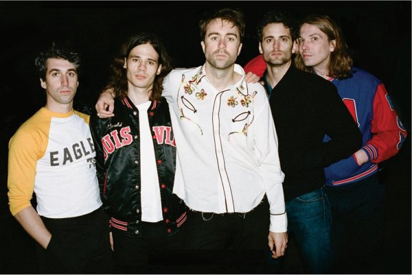 "The Vaccines sigue adelantando ""Combat Sports"", ahora con ""Your Love Is My Favourite Band"""