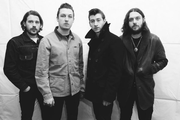 "Arctic Monkeys estrenó el cinematográfico videoclip de ""Four Out of Five"""