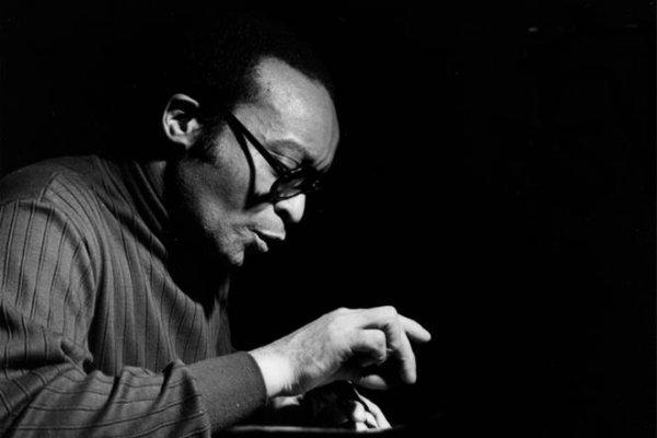 Falleció a los 89 años el pianista Cecil Taylor, pionero del free jazz