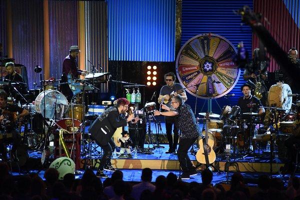 Los Auténticos Decadentes convirtieron el escenario de MTV Unplugged en un gran carnaval porteño