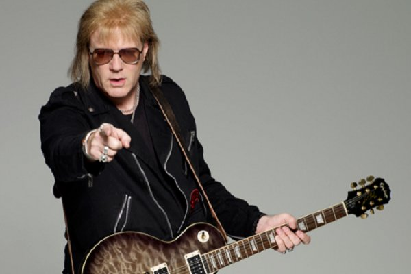 Jay Jay French, guitarrista de Twisted Sister, revela su lucha contra el cáncer