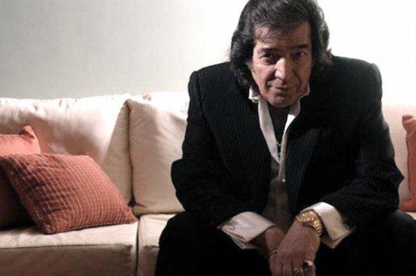 """Cacho Castaña recrea clásicos del rock nacional en su álbum """"Distinto"""""""