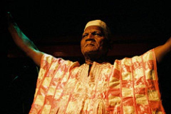 Falleció a los 87 años Baba Oje, líder espiritual de Arrested Development