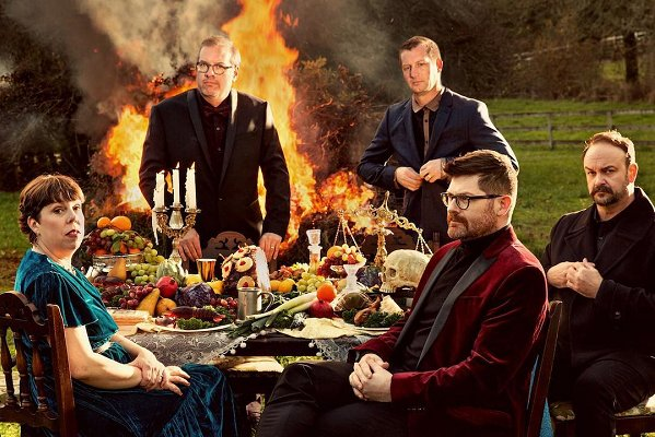 "The Decemberists comparte un adelanto de su EP ""Traveling On"""