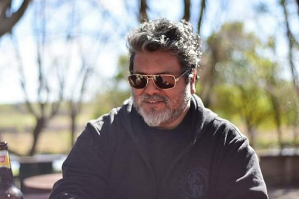 Falleció en un accidente Tony Rollins, saxofonista de Crónico