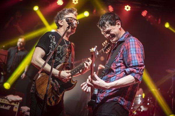Los Jóvenes Pordioseros festejaron sus 20 años con un deslumbrante show