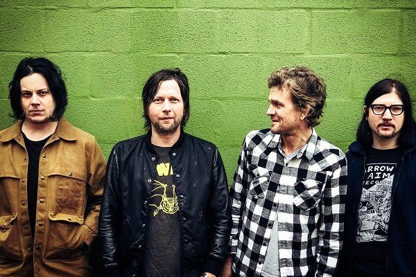 "The Raconteurs comparte el nuevo single ""Bored And Razed"""
