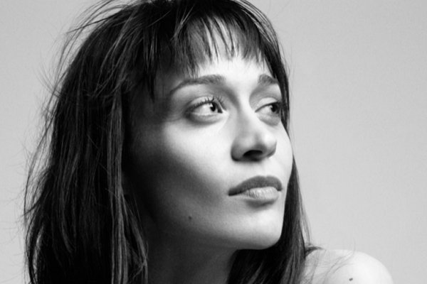 "Fiona Apple compartió su cover de ""The Whole of the Moon"", de The Waterboys"