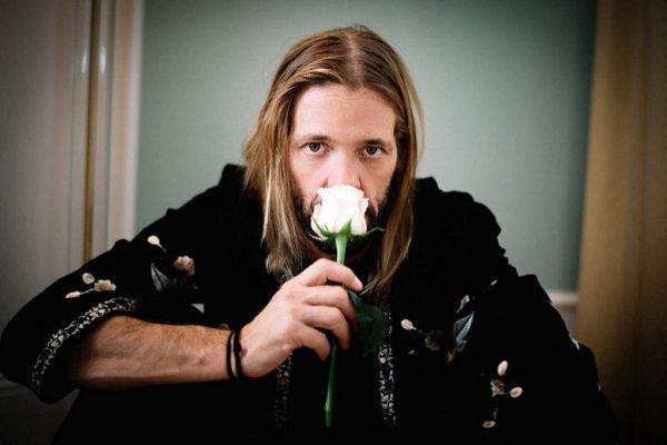 Taylor Hawkins confiesa que en 1999 rechazó la oferta de sumarse a Guns N' Roses