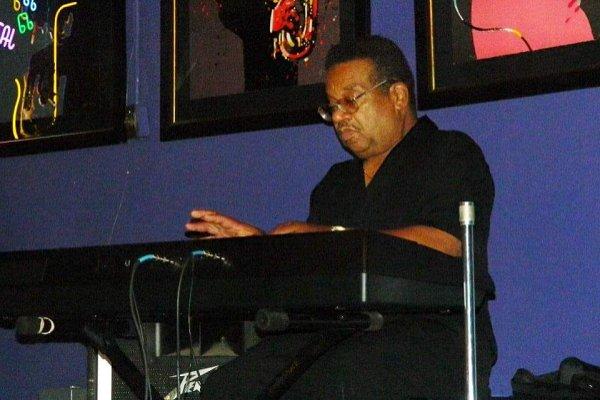 Falleció Mickey Atkins, tecladista original de Funkadelic