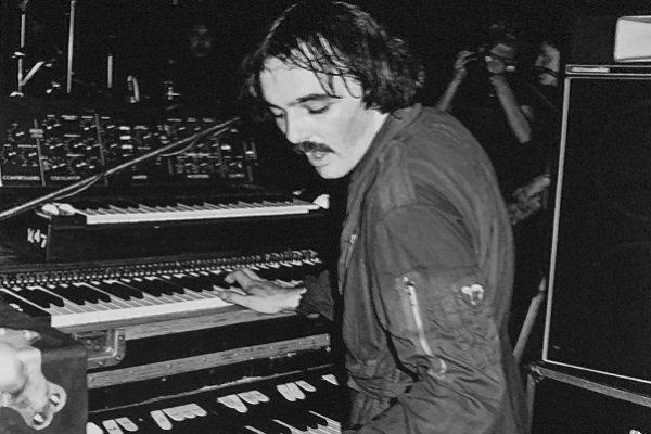 Falleció Dave Greenfield, tecladista de The Stranglers, víctima del COVID-19