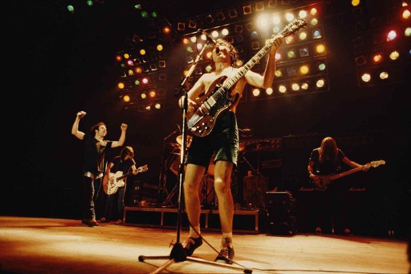 AC/DC celebra los 40 años de «Back in Black» con una serie de videos