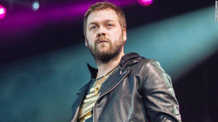 Tom Meighan, ex cantante de Kasabian, se declara culpable de agredir a su ex prometida