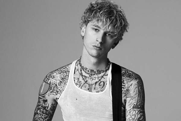 Machine Gun Kelly publicó «Tickets To My Downfall», su quinto álbum de estudio