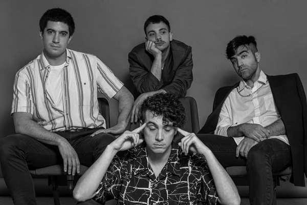 Muñecas lanzó su segundo disco, «Festival de Sombras»
