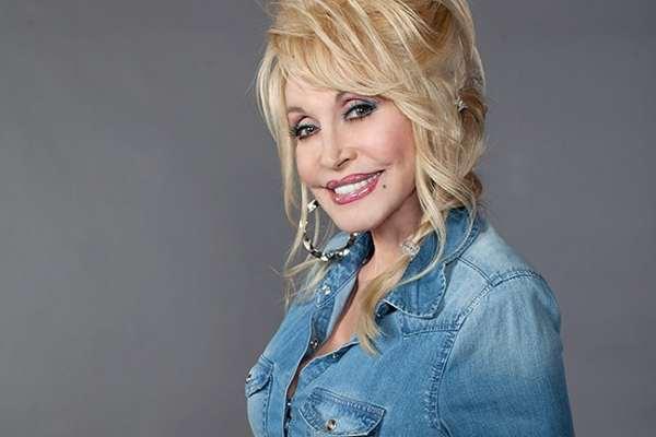 Dolly Parton ayudó a financiar la investigación de la vacuna de Moderna contra el COVID-19