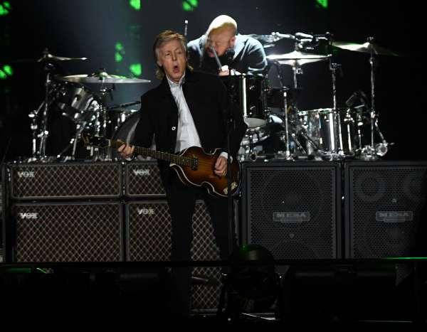 Paul McCartney asegura que los Rolling Stones son «una banda de covers de blues»