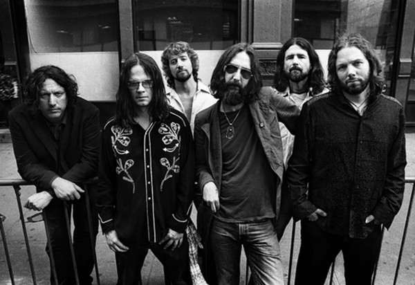 The Black Crowes presenta una reedición de lujo por el 30º aniversario de «Shake Your Money Maker»