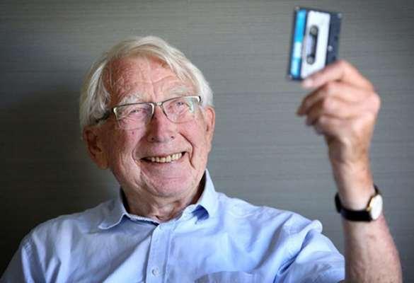 Murió a los 94 años Lou Ottens, inventor del cassette