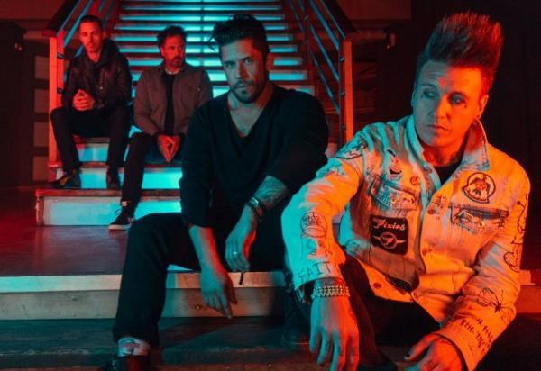 El próximo álbum de Papa Roach incluirá su primera «balada acústica»