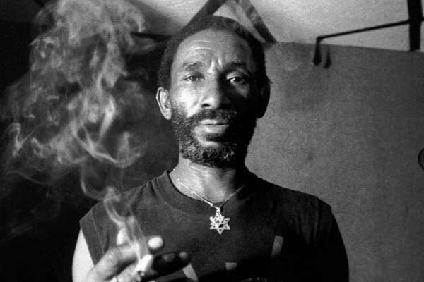 Murió Lee «Scratch» Perry, la leyenda jamaiquina del dub y el reggae
