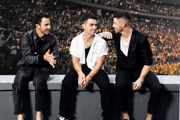 Jonas Brothers comparte el single funky «Who's In Your Head»