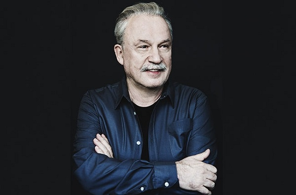Giorgio Moroder estrenó el video lyric de «Tom's Diner», con Britney Spears
