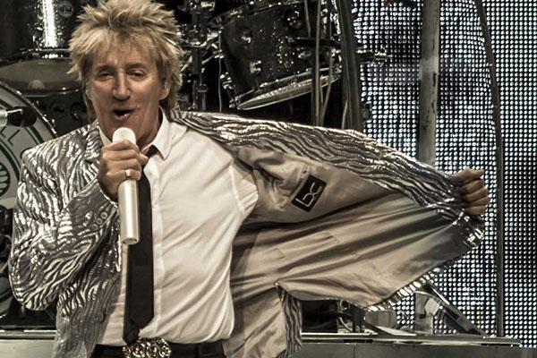 Rod Stewart estrena «Love Is», un adelanto de «Another Country»