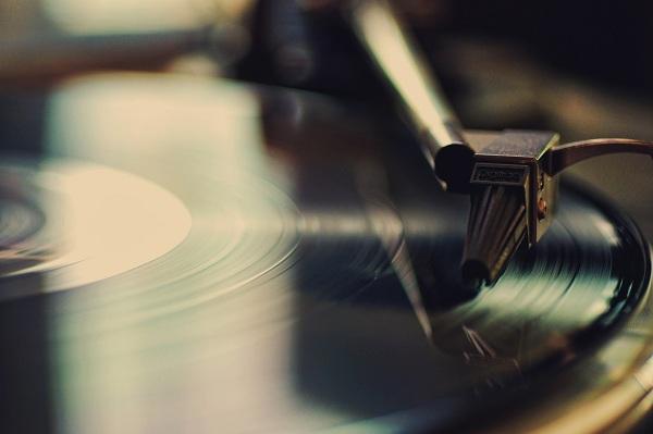 La mayoría de los discos de vinilo provienen de un pueblito de República Checa