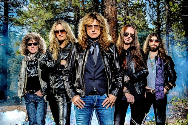 Whitesnake sigue rockeando, ahora con «Trouble Is Your Middle Name»