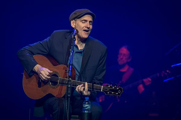 James Taylor regresa después de 13 años con «Before This World»