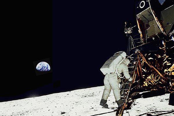 10 canciones dedicadas a la Luna