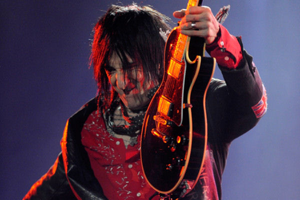Según Richard Fortus, Guns N' Roses hará «más grabaciones pronto»