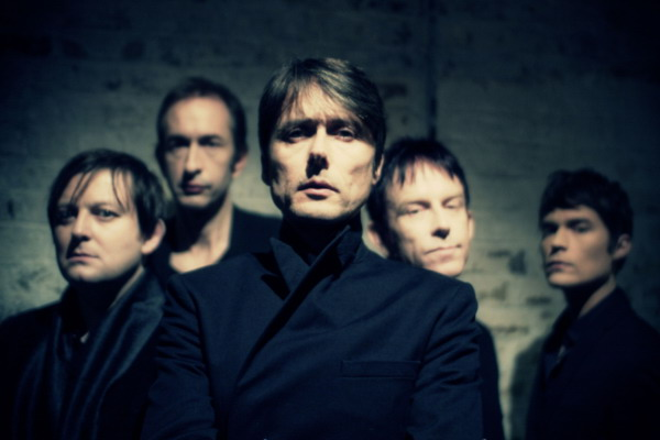 Suede compartió un nuevo tráiler del documental «The Insatiable Ones»
