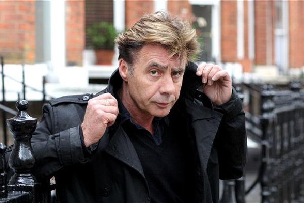 Glen Matlock confiesa que en 1996 los Sex Pistols consideraron grabar nuevas canciones