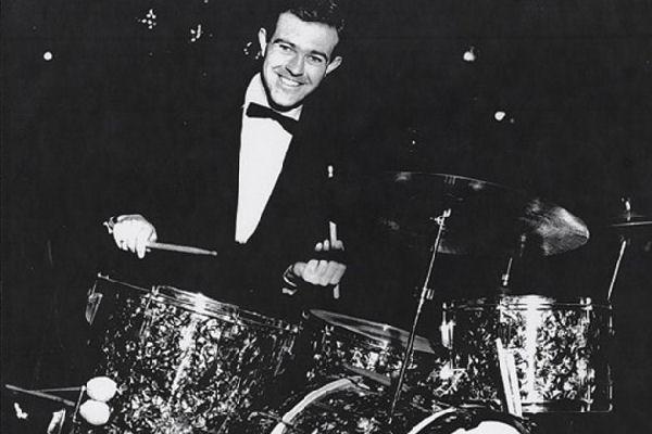 Falleció el baterista de sesión Andy White, quien tocó con los Beatles