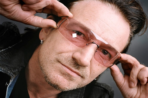 Bono compartió un cover de «Beautiful Day» plagado de estrellas