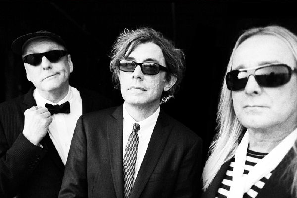 Cheap Trick comparte un cover de «Rebel Rebel» de David Bowie