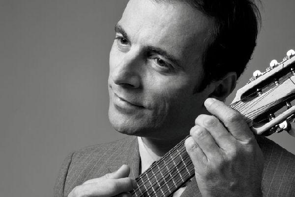 Kevin Johansen estrenó en YouTube una sesión especial en estudio